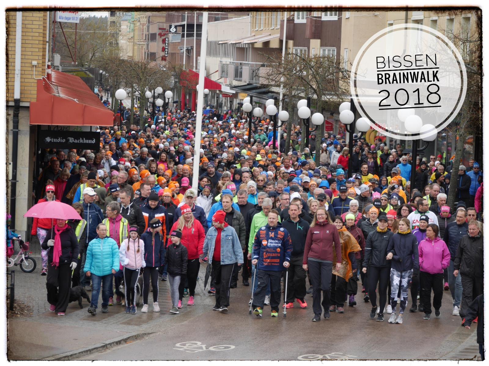 Bissen Brainwalk med många deltagare i promenaden